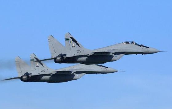 马来西亚的飞机为什么会失联 马来西亚失联的飞机是军机吗 马来西亚军机伤亡情况严重吗
