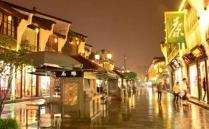 杭州一直就被誉为人间天堂城市,这里拥有大量的神话传说和古典故事,每年都会吸引成千上万的游客来旅行,这里的美女和美食都是