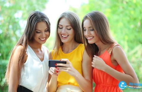 旅游拍照手机和单反哪个好 手机拍照和单反的区别