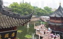 豫园是一处拥有400多年历史的古代建筑群,这里拥有极具价值的文化魅力,每年都会吸引大量的游客前来观赏,豫园的品味也是高格