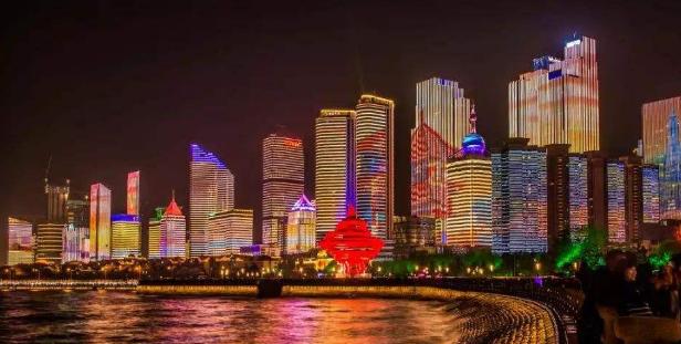 2018青岛五四广场灯光秀几点