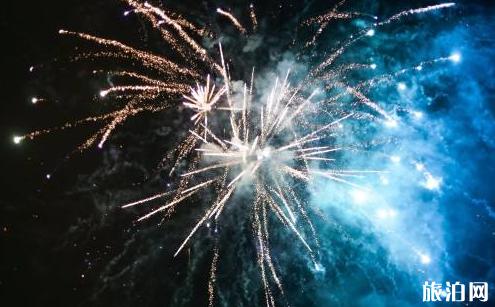 2018青岛6月烟花灯会表演什么时候开始
