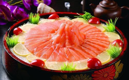 生食三文鱼标准是什么 丽江有三文鱼多少钱一斤