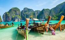 泰国是一个非常适合度假休闲的东南亚国家,这里的服务行业十分发达,各种娱乐产业和项目都被开发出来,每天都会吸引世界各地的
