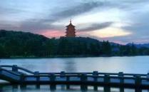 杭州是一个非常适合旅游的天堂城市,这里的自然景观和人文气息的景观都非常多,特别是我国最著名的湖泊—西湖,那么杭州哪些免
