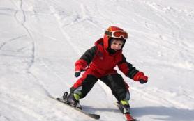 孩子滑雪要准备哪些装备 孩子多大可以学滑雪