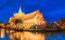 泰国一直是中国游客最热门的外国旅游目的地,这里的服务以及娱乐产业非常发达,而且人们生性温和,文化氛围十分独特,充满了异域