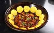 东北铁锅炖好吃吗 东北铁锅炖的做法