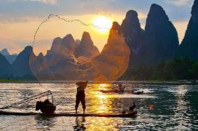 桂林到阳朔的漓江