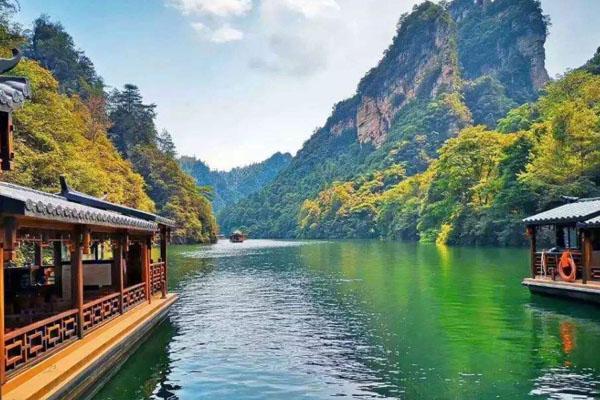 张家界宝峰湖景区简介 好玩吗