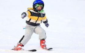 儿童滑雪装备有哪些东西 如何避免受伤