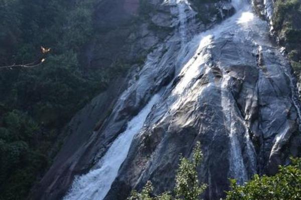 2020马鞍底拉登瀑布群旅游攻略 马鞍底拉登瀑布群有什么景点