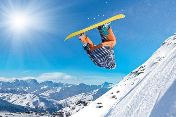 滑雪和滑冰的区别 哪个更难