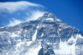 珠穆朗玛峰可以随便登吗 能旅游吗