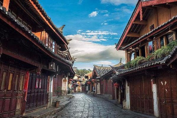 2021年1月25日起丽江古城暂停接待游客通知