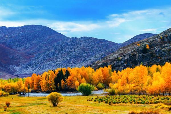 新疆自驾游最佳旅游路线 新疆自驾游注意的事项