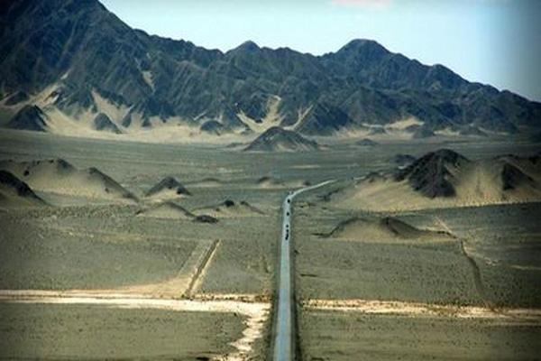 地球上最像火星的地方-青海柴達木風景圖