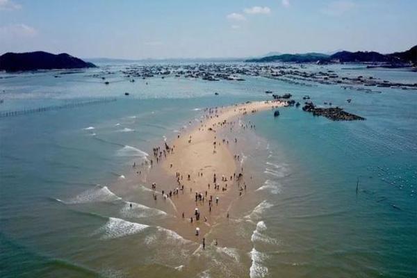 时隐时现的海中沙滩—鱼骨沙洲