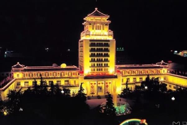 北京地铁1号线沿途景点